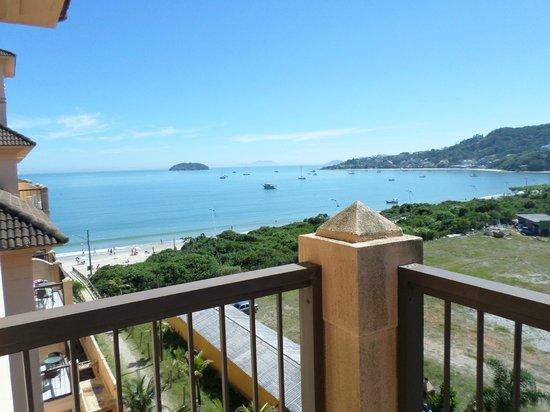 Jurerê Beach Village: Vista de la habitacion lateral