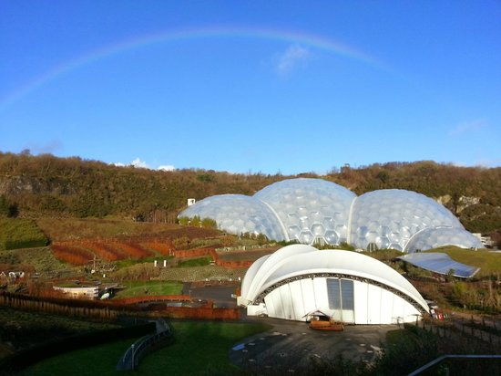 Eden Project: bow over biomes
