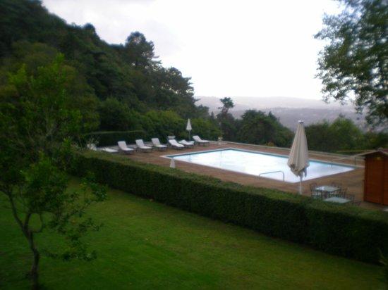 Tivoli Palácio de Seteais: moderna piscina com vista espetacular