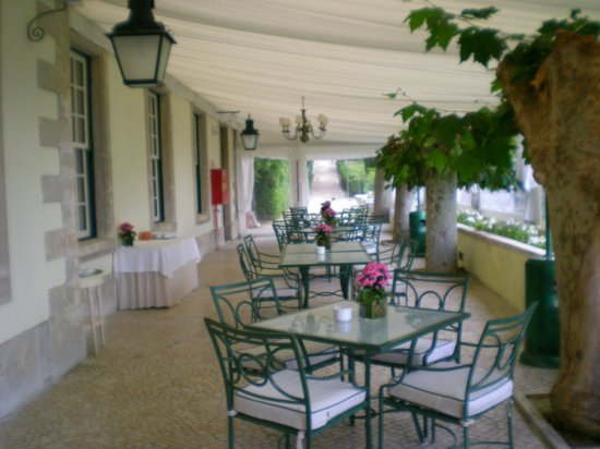 Tivoli Palácio de Seteais: charmosa varanda ao redor do hotel