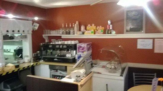 Coffee Den: 6