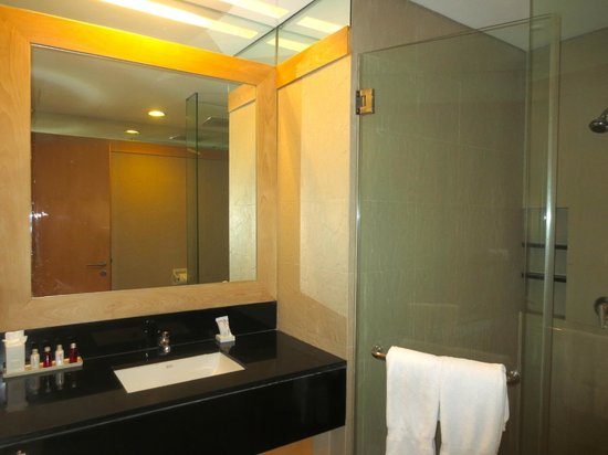 Shama Sukhumvit Bangkok: Bathroom wit Tub