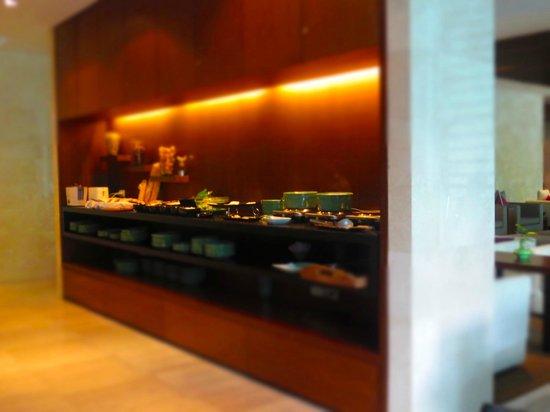 Shama Sukhumvit Bangkok : breakfast spread