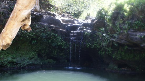 Hike Maui : Second waterfall