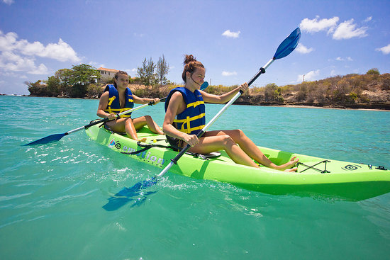 True Blue Bay Boutique Resort: Activities Kayaks