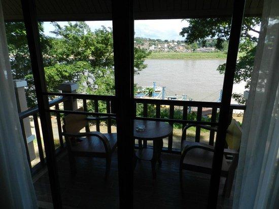 Ibis Styles Chiang Khong Riverfront: Room 113 River View & Balcony