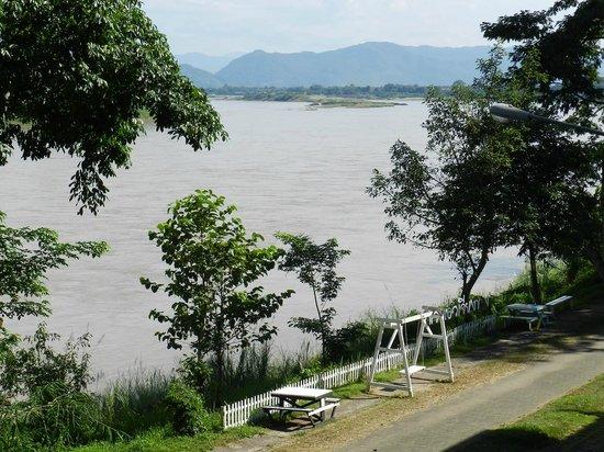 Ibis Styles Chiang Khong Riverfront: Room 113 River View