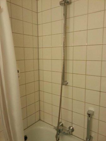 BEST WESTERN Queens Hotel Pforzheim-Niefern: Problem für große Leute