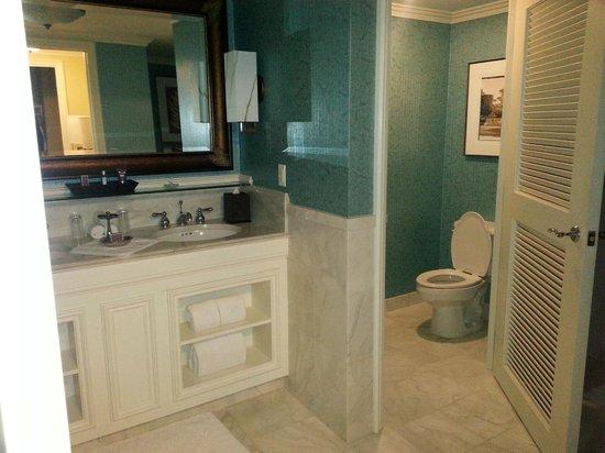 The Ritz-Carlton Orlando, Grande Lakes : Bathroom