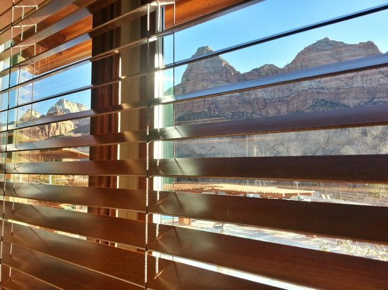 Cable Mountain Lodge : View from the bed!