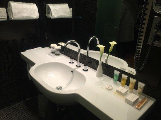 IBEROSTAR Grand Hotel Budapest : Bathroom