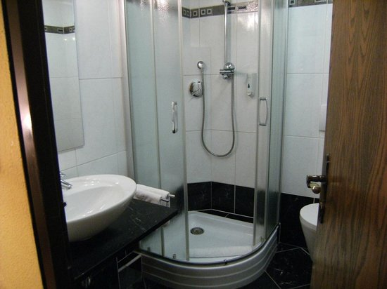 Sporthotel Cristall : Bathroom