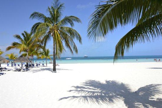 Beachscape Kin Ha Villas & Suites: La mejor playa de Cancun