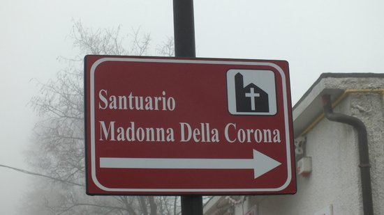 Santuario Basilica Madonna della Corona: указатель