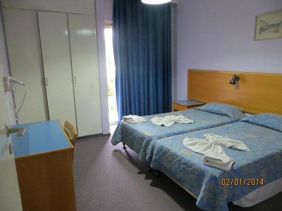 Daphne Hotel Apartments : Вторая спальня