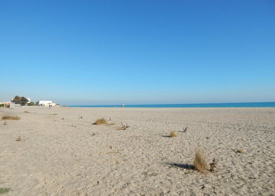Sagunto, Spain: The beach at camping Malvarossa