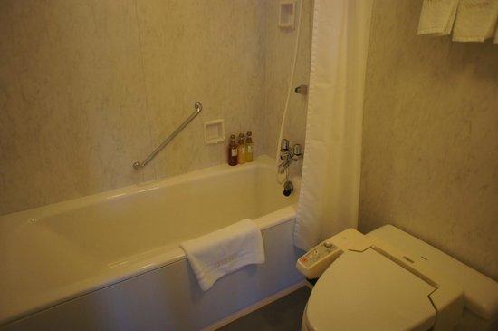 Hotel Century Shizuoka: バスルーム