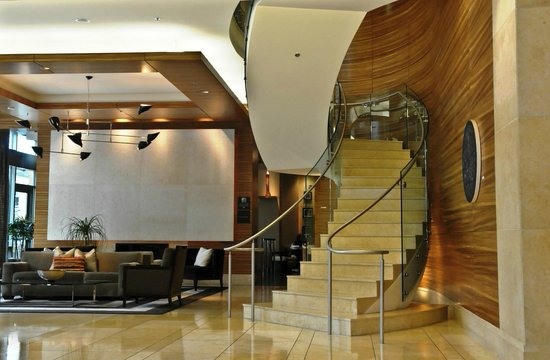 Pan Pacific Seattle: Exquisite lobby staircase, photo by Mike Keenan