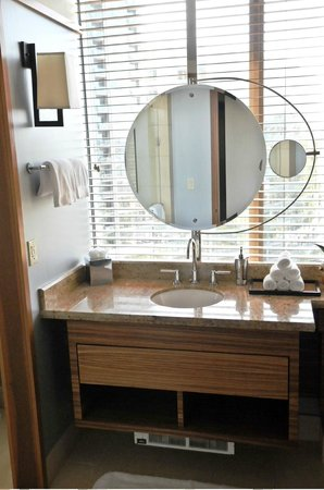 Pan Pacific Seattle: Elegant bathroom mirror, photo by Mike Keenan