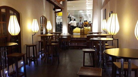 Knox Lounge