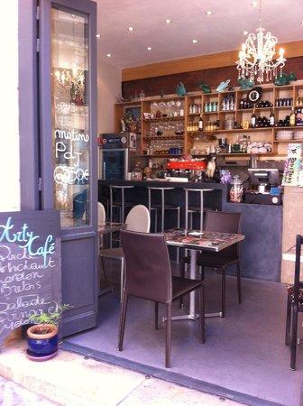 ARTY CAFE : l'arty café , la déco très sympa