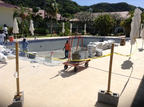 Radisson Grenada Beach Resort: The small pool closed for a week for resurfacing about 10 days ago