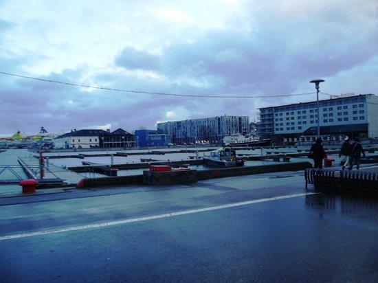 Hestia Hotel Europa: порт рядом с отелем