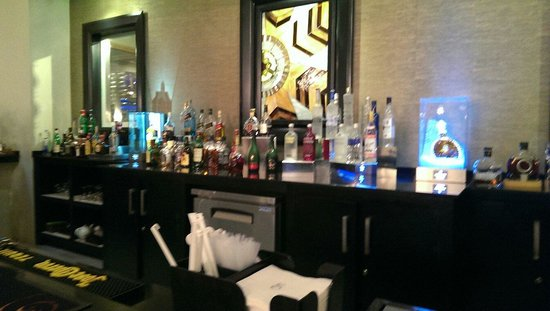 El Embajador, a Royal Hideaway Hotel: Lobby bar