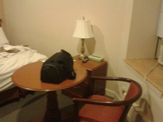 Hotel St. James: table et chaises
