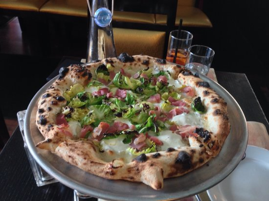 Blue Planet Grill: The blue planet pizza