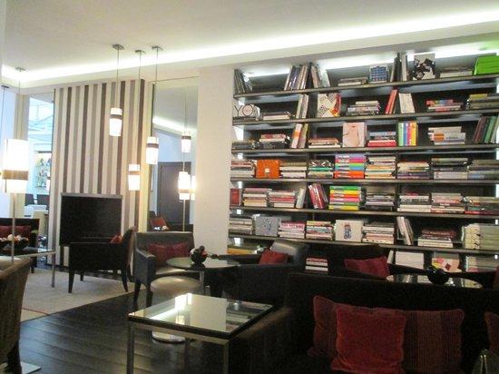 Hotel Le A: lobby lounge