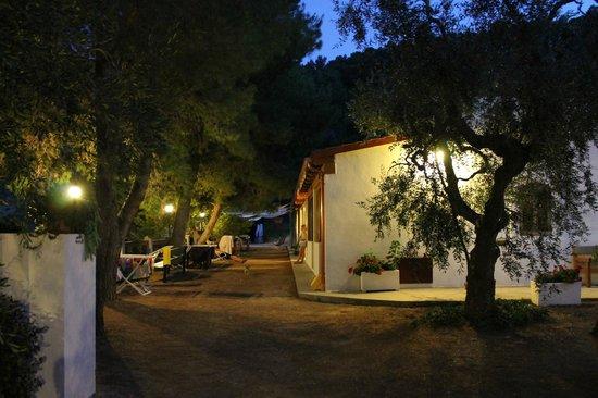 Rifugio Petina: ...di sera