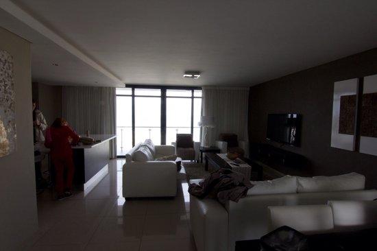 Aquarius Luxury Suites : Aquarius lounge & kitchen
