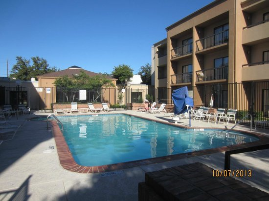 Country Inn & Suites By Carlson, Dallas-Love Field (Medical Center) : COLD - we were the only takers.