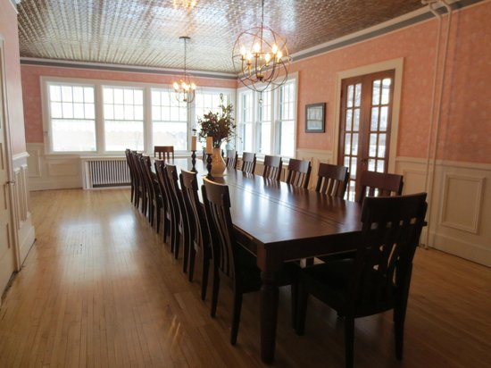Carriage House Bed and Breakfast : Dining Room/ Meeting Facility