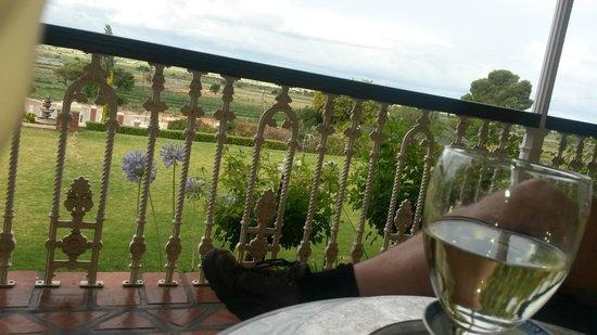 La Plume: Op de veranda wijn drinken
