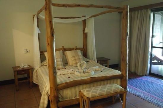 Kole Kole - Baobab Resort Diani: room at kole kole