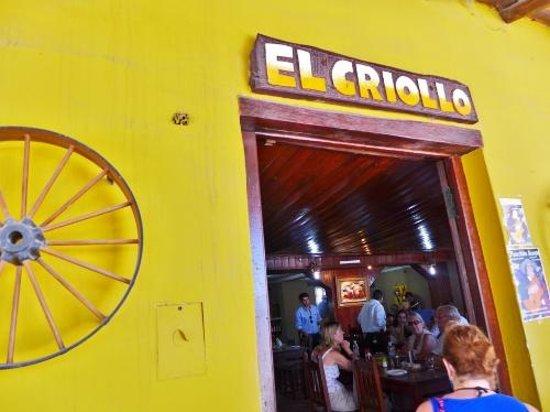 Parrilla El Criollo: Entrance