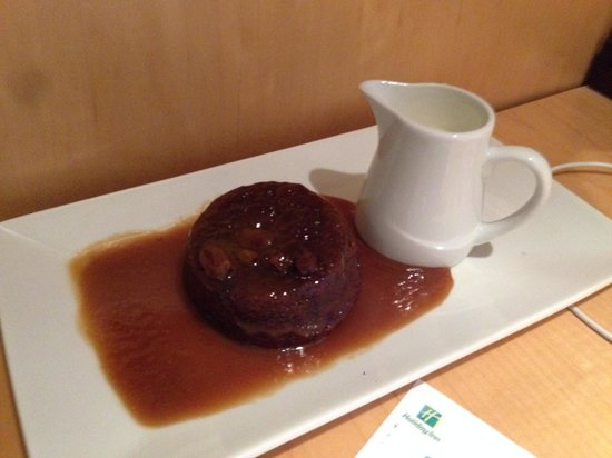 Holiday Inn Brentwood: Room Service - Nice Pudding
