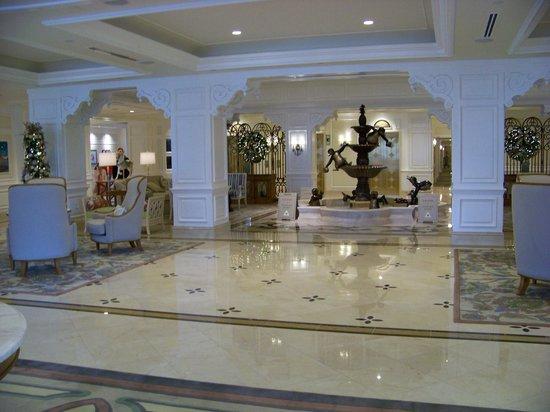 Disney's Grand Floridian Resort & Spa: Villas lobby