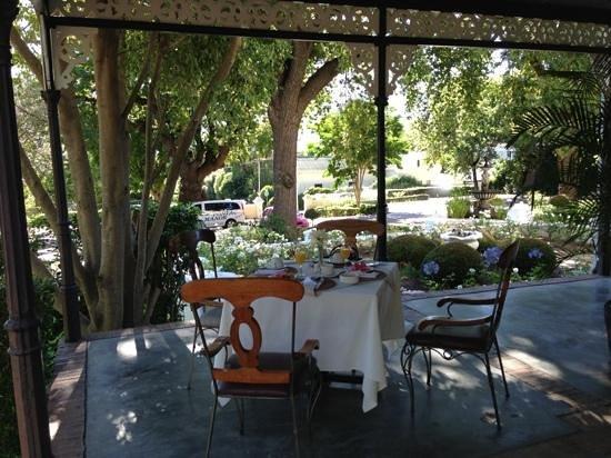 Pontac Manor Hotel: breakfast