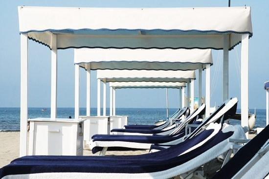 Tende servizio teli armadietto con chiave personale foto di bagno sirena del sud marina di - Bagno italia marina di pietrasanta ...