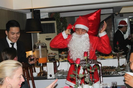 New Star Hotel Hanoi: Christmas party-Santaclaus