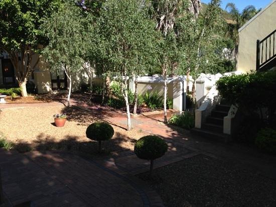 Pontac Manor Hotel: inner yard