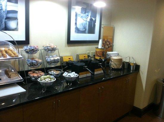 Hampton Inn New Bern: Breakfast