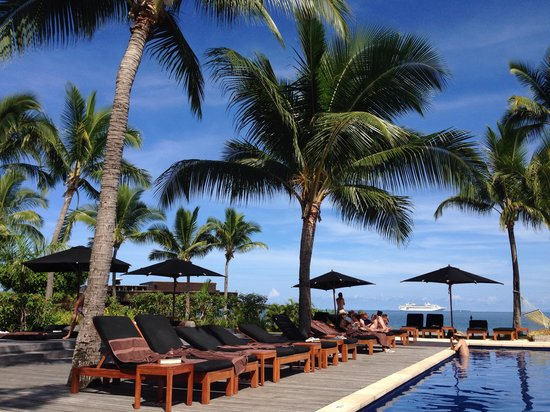 Hilton Fiji Beach Resort & Spa : Poolside