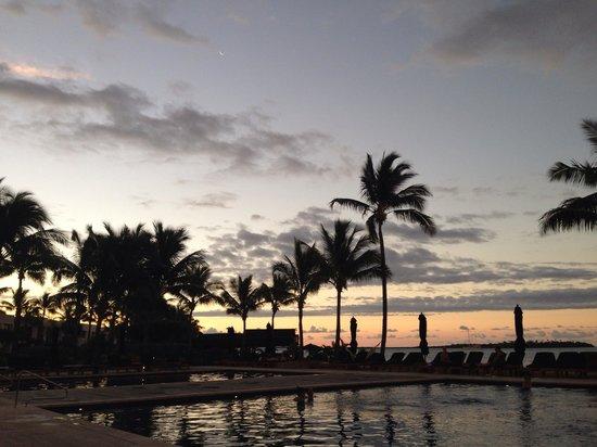 Hilton Fiji Beach Resort & Spa: View from room, sunrise