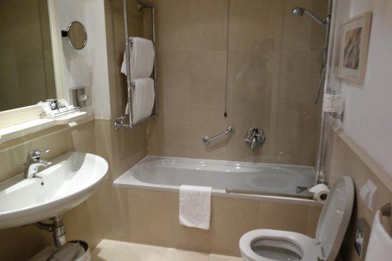 Hotel Laurus al Duomo: Casa-de-banho