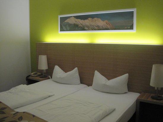 Alphotel Innsbruck : room