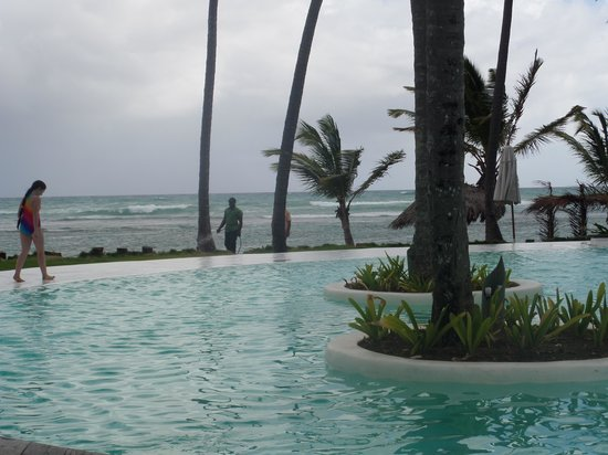Zoetry Agua Punta Cana: piscine au bord de la mer